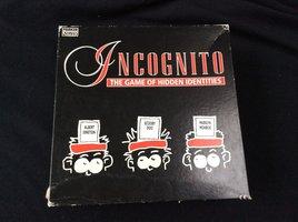2dehands: Incognito - Game of hidden identities (EN)