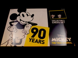 NIEUW: Mickey The True Original Chess Set